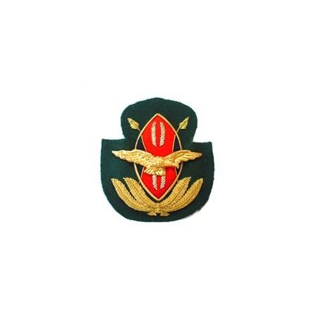 KENYAN AIR FORCE CAP BADGE